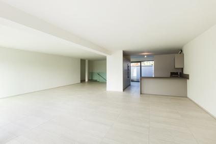 Leere Wohnung mit Platz für Neues nach einer Haushaltsauflösung in Köln